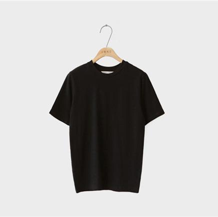 debut, tee (black)