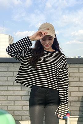 stripe round, tee