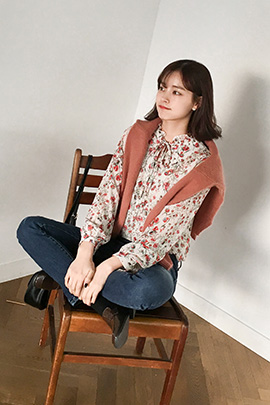 red hind, blouse