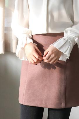 line point, skirt