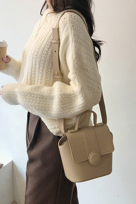 feminine colors, bag