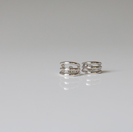three round earring