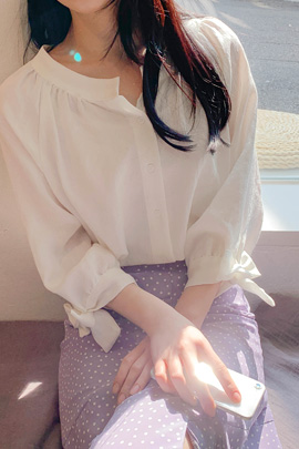 ribbon shirring blouse