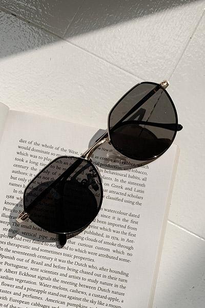 Roman black sunglasses