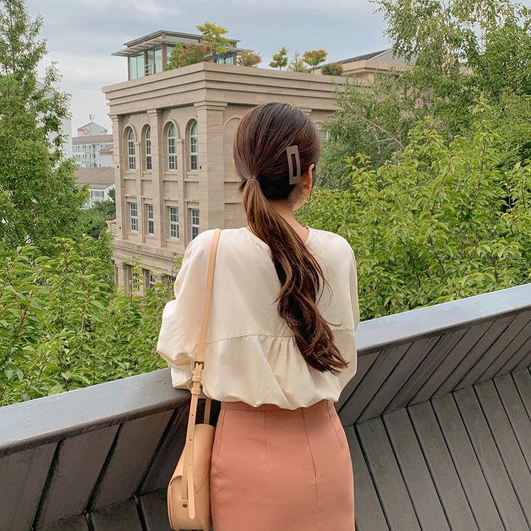 Button blouse