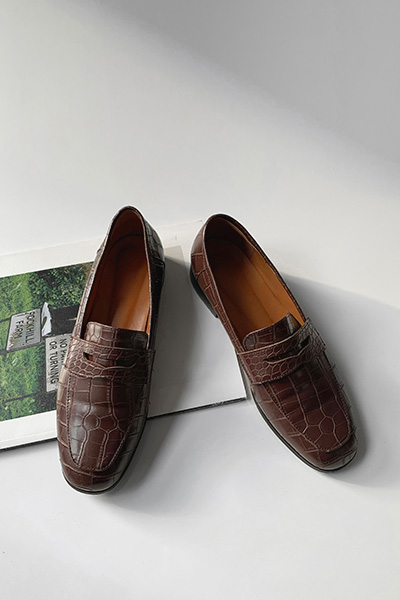 Classic mocca loafer