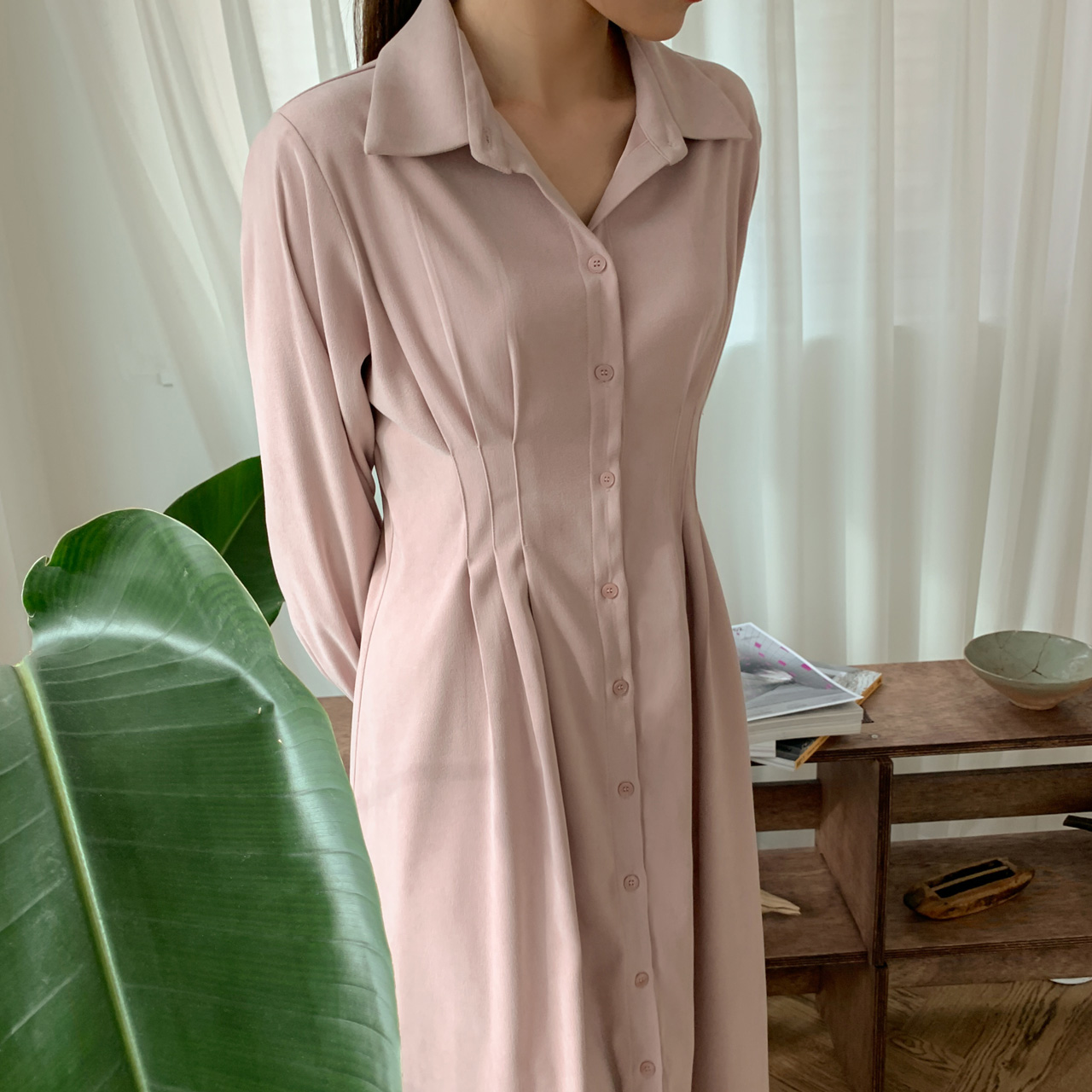 Slim loose pintuck dress