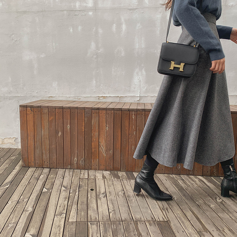 Flare wool skirt