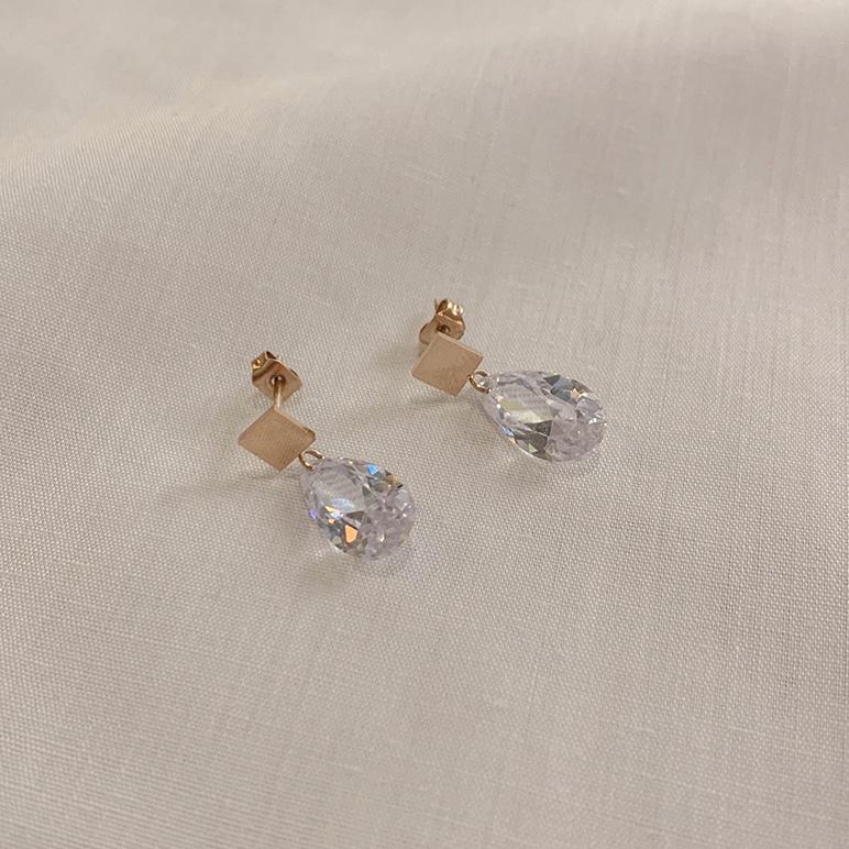 Crystal drop pierce