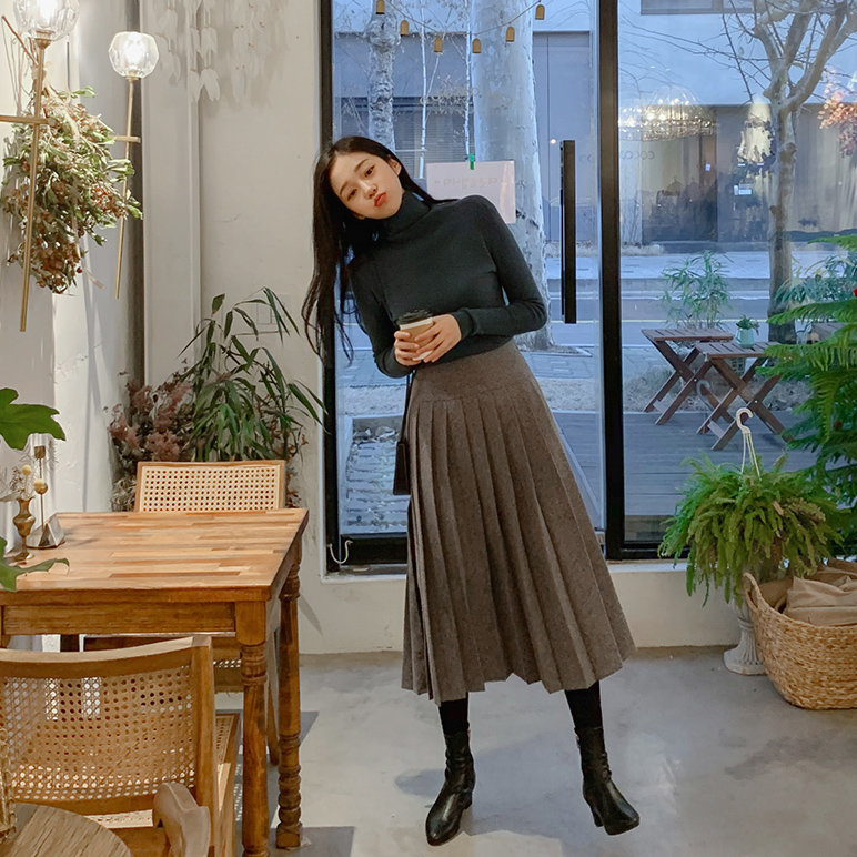 Pleats medium skirt
