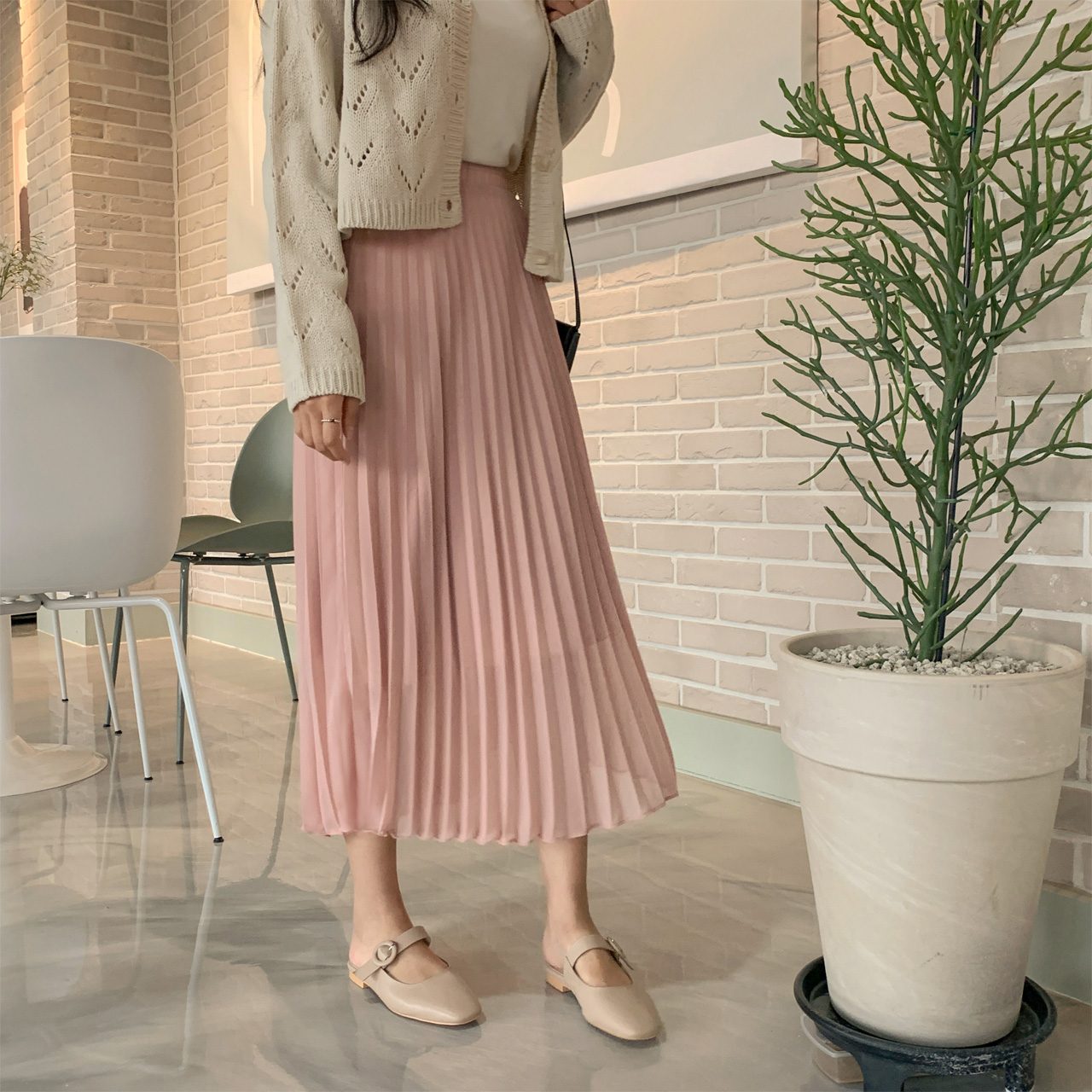 Pleats chiffon skirt