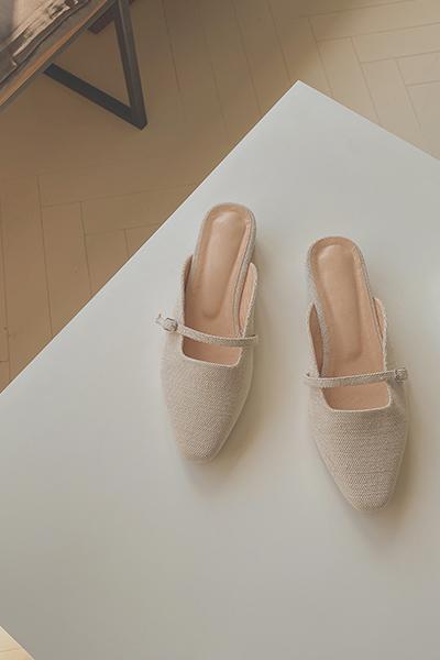 Feminine line shoes
