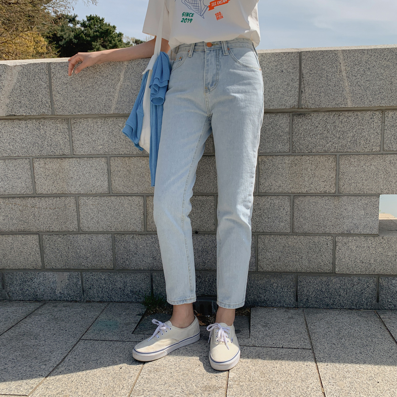 Coin Light Denim Pants