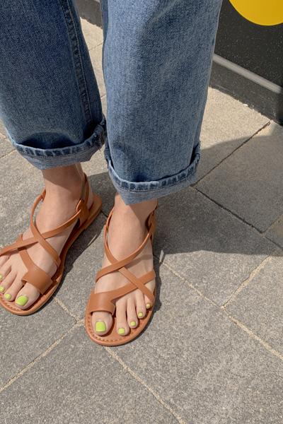 strap flip flop