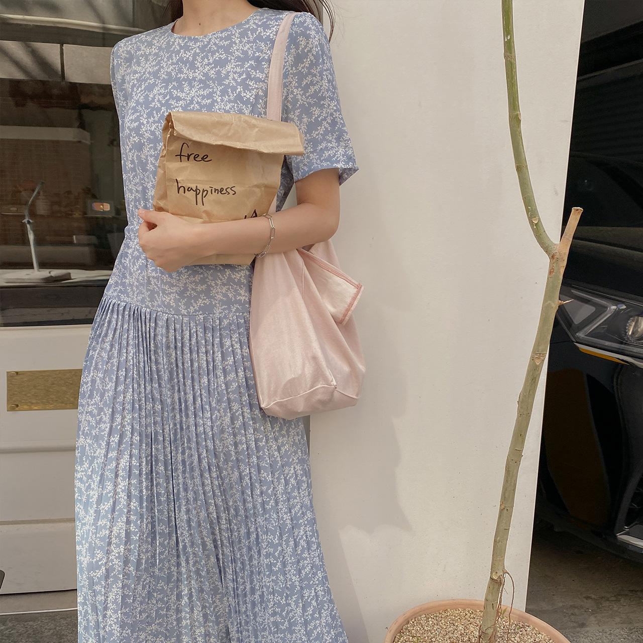 Juni Flitz Dress