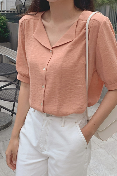 Flat open collar blouse